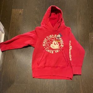 Disney kids hooded sweatshirt starring Mickey!